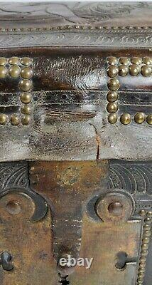 A Late 17th Early 18th Century Travelling Trunk