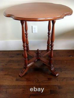 ANTIQUE WALNUT TURTLE TOP LAMP or PARLOR TABLE Late 19th Century Excellent