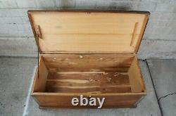Antique 20th Century Late Victorian Cedar Lined Oak & Brass Hope Chest Trunk 46