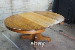 Antique Late Victorian Round Quartersawn Oak Empire Pedestal Dining Table 48