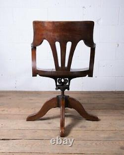 Arts & Crafts Tilt Swivel Desk Bankers Chair Late 19 Century Milwaukee Chair Co