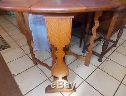 Carved Quartersawn Oak Dropleaf Gate Leg Table Late 1800's Early 1900's (T619)