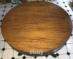 Circular Pedestal Table. Mahogany Wood. Chippendale Style. Late 19th Century