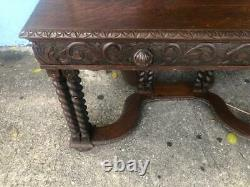 Late 19th Century French Oak Carved Writing Desk with Candy Twist Legs
