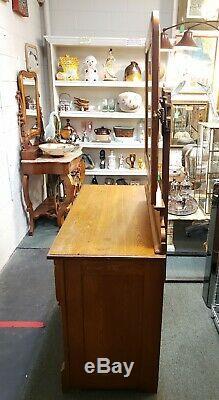Late 19th Century Oak Hotel Dresser with Adjustable Peerless Mirror
