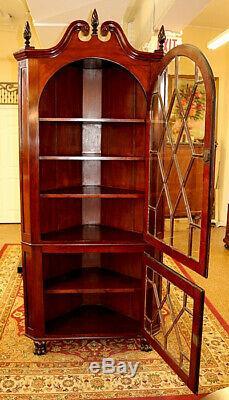 Superb Late 19th Century American Mahogany Corner Cabinet
